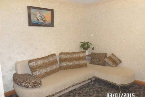 Сдается 2-комнатная квартира посуточно в Екатеринбурге, ул. Титова, 38.