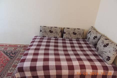 Сдается 1-комнатная квартира посуточно в Элисте, ул сухэ-батора 7-микрорайон. дом 2 кор 3..