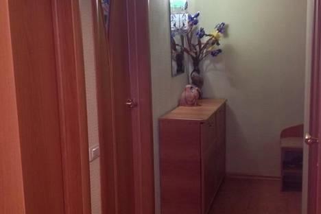 Сдается 2-комнатная квартира посуточно, проспект Карла Маркса, 120.