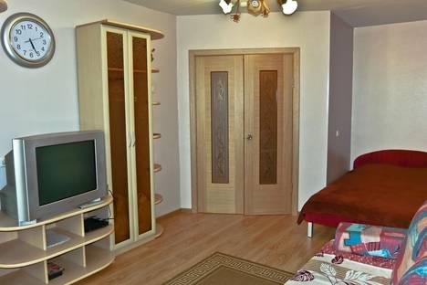 Сдается 1-комнатная квартира посуточнов Екатеринбурге, Бакинских комиссаров, 107.