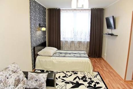 Сдается 1-комнатная квартира посуточнов Екатеринбурге, ул. Кузнецова, 7.