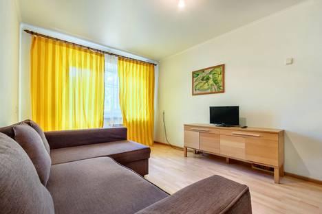 Сдается 2-комнатная квартира посуточно в Ростове-на-Дону, ул. Мечникова, 79.
