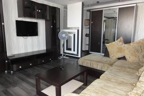 Сдается 3-комнатная квартира посуточно в Оренбурге, ул. Чкалова, 3/1.