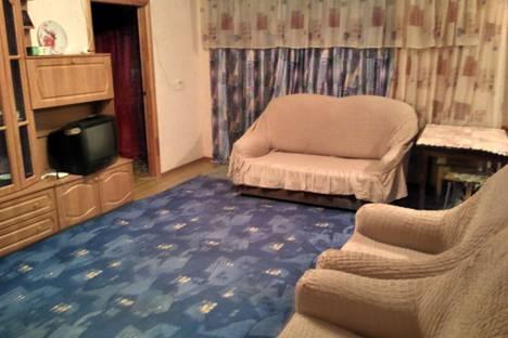 Сдается 2-комнатная квартира посуточно в Новотроицке, Железнодорожная,77.