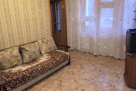 Сдается 3-комнатная квартира посуточно в Астрахани, ул. Красноармейская, 15.