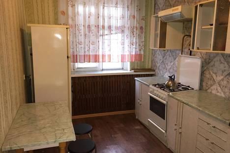 Сдается 2-комнатная квартира посуточно, Валерии Барсовой,12.
