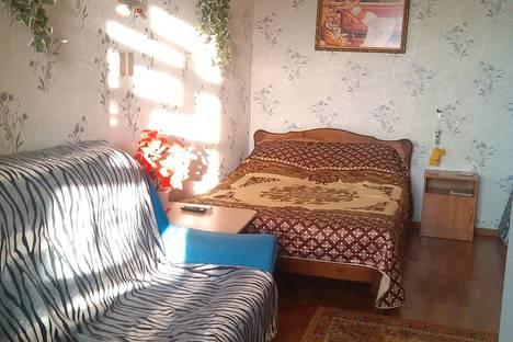 Сдается 1-комнатная квартира посуточно в Элисте, 1 мкр,д.37.