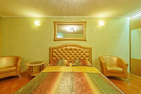 Сдается 1-комнатная квартира посуточнов Челябинске, ул. Молодогвардейцев, 64б.