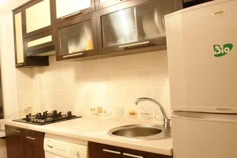 Сдается 2-комнатная квартира посуточно в Керчи, ул. Юннатов 18.