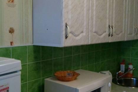 Сдается 1-комнатная квартира посуточнов Октябрьском, 28 мкрн. д.7.
