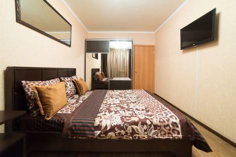 Сдается 1-комнатная квартира посуточно в Челябинске, ул. Братьев Кашириных, 88.