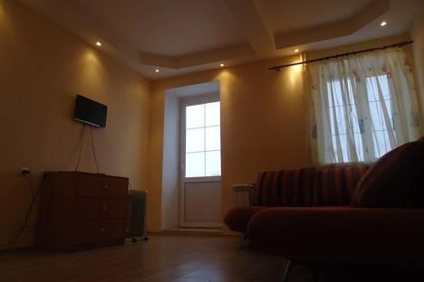 Сдается 1-комнатная квартира посуточно в Серпухове, ул. Калужская, 5.