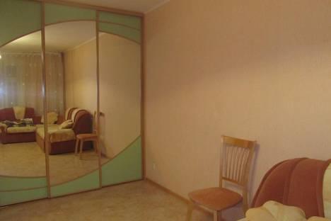 Сдается 1-комнатная квартира посуточно в Кирове, ул. Свободы, 155.