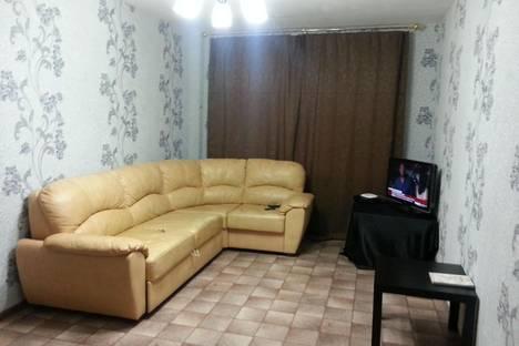 Сдается 2-комнатная квартира посуточно в Балакове, 50 лет влксм дом 5.