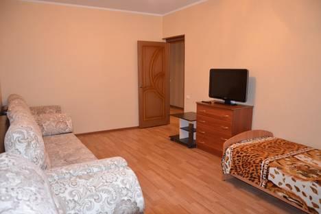 Сдается 2-комнатная квартира посуточно, ул. 60 лет Октября, 84.
