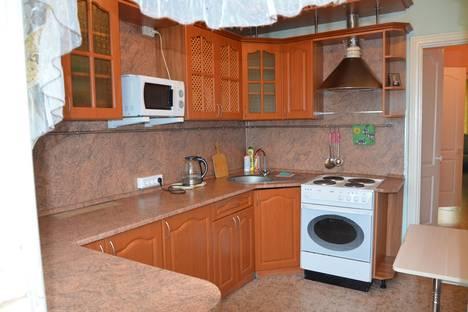 Сдается 2-комнатная квартира посуточно в Нижневартовске, ул. Нефтяников, 41.