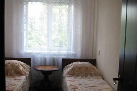 Сдается 2-комнатная квартира посуточно в Белокурихе, ул. Братьев Ждановых, 17/1.