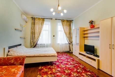 Сдается 1-комнатная квартира посуточнов Азове, ул. Красноармейская, 89.