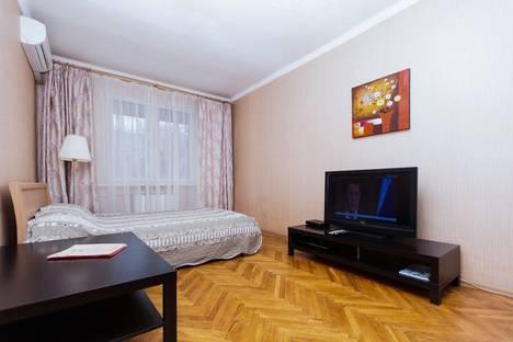 Сдается 2-комнатная квартира посуточно в Москве, Оружейный пер., 5.