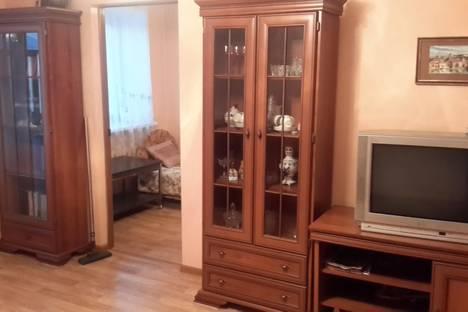Сдается 2-комнатная квартира посуточно в Вологде, ул. Яшина, 5.