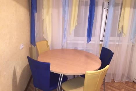 Сдается 1-комнатная квартира посуточнов Ангарске, ул.Коминтерна 12 а мкр.,дом 5.