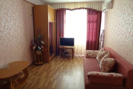 Сдается 1-комнатная квартира посуточно в Севастополе, пр.Ген.Острякова, 40.