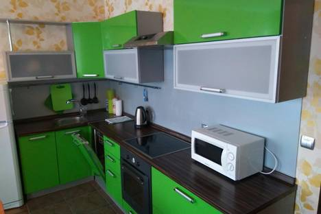 Сдается 2-комнатная квартира посуточно в Ханты-Мансийске, ул. Студенческая, 16.