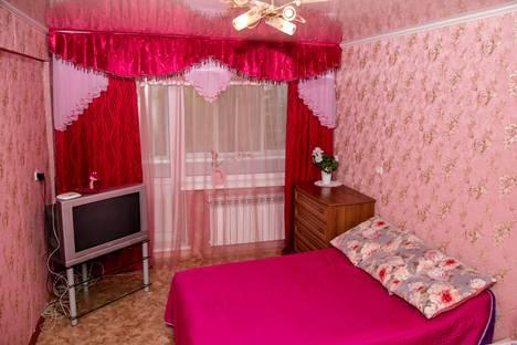 Сдается 1-комнатная квартира посуточно в Омске, Конева 24/2.