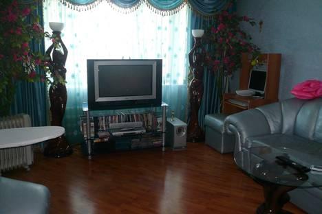 Сдается 2-комнатная квартира посуточно в Ельце, ул. Черокманова, 19.