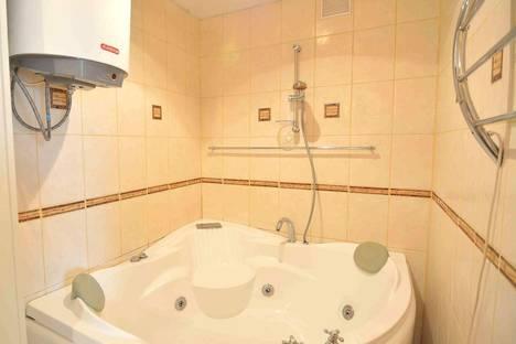 Сдается 4-комнатная квартира посуточнов Хабаровске, Амурский бульвар, 18.