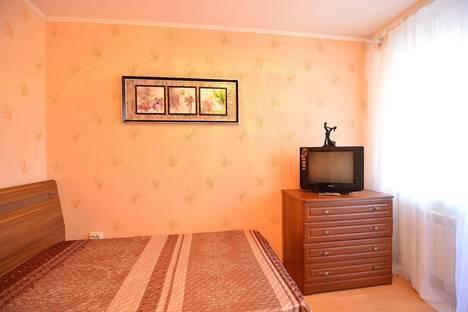 Сдается 3-комнатная квартира посуточно в Хабаровске, ул. Дикопольцева, 10.