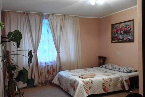 Сдается 1-комнатная квартира посуточно в Перми, ул. Петропавловская,  99.