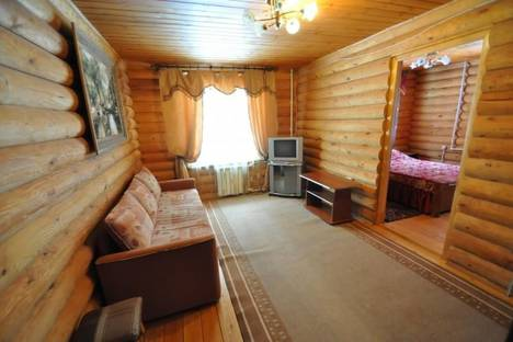 Сдается 2-комнатная квартира посуточно в Домбае, ул. Аланская 23.
