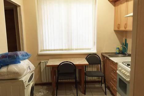 Сдается 3-комнатная квартира посуточно в Астрахани, ул. Чернышевского, 7.