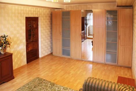 Сдается 1-комнатная квартира посуточно в Люберцах, Октябрьский проспект, 8 корп.1.