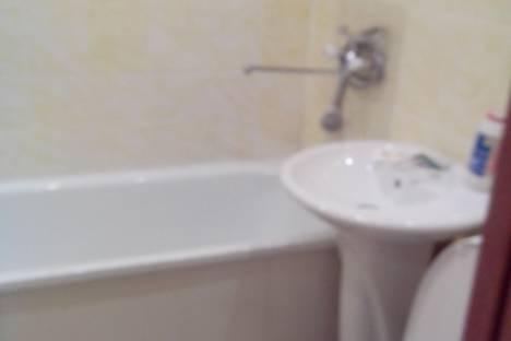 Сдается 1-комнатная квартира посуточно в Первоуральске, пр.ильча 7а.