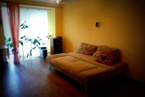Сдается 1-комнатная квартира посуточно в Череповце, Вологодская 50а.