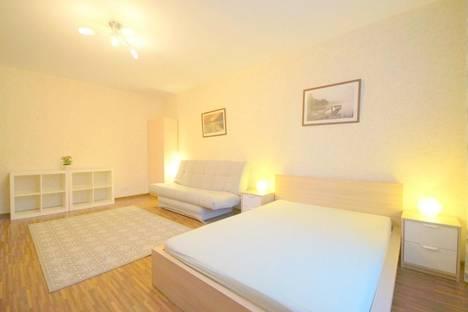 Сдается 1-комнатная квартира посуточнов Санкт-Петербурге, ул. Егорова, 25.