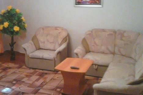 Сдается 2-комнатная квартира посуточно, ул. Уральская, ,4.