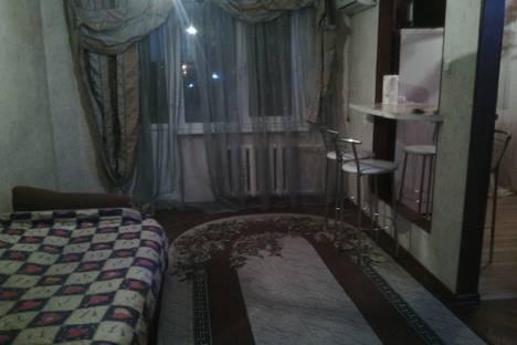 Сдается 1-комнатная квартира посуточно в Невинномысске, партизанская 9б.
