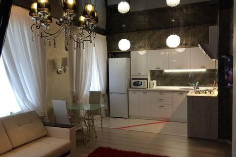 Сдается 1-комнатная квартира посуточно, Боевая 126 корпус 7.