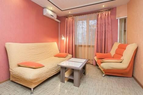 Сдается 2-комнатная квартира посуточно в Нижнем Новгороде, ул. Максима Горького, 80/1.