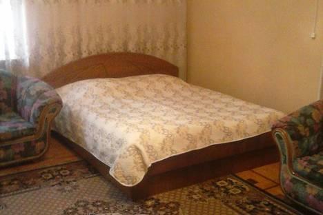 Сдается 1-комнатная квартира посуточно в Ялте, ул.Садовая 28.