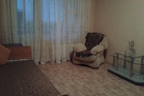 Сдается 3-комнатная квартира посуточно в Астрахани, ул. В.Барсовой, 15.