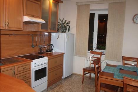Сдается 2-комнатная квартира посуточно в Нягани, микрорайоны 1-7.