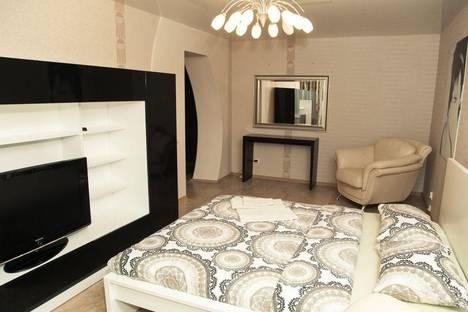Сдается 1-комнатная квартира посуточнов Златоусте, квартал Медик, 4а.