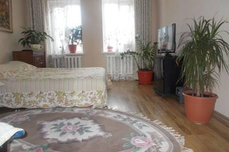 Сдается 2-комнатная квартира посуточно в Армавире, шаумяна 57.