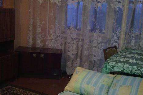 Сдается 2-комнатная квартира посуточно в Кривом Роге, пл. Артема ул. Тесленко 14.