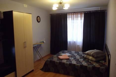 Сдается 1-комнатная квартира посуточнов Великих Луках, переулок Пескарева, 3 корп.1.