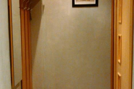 Сдается 2-комнатная квартира посуточно, комсомольская д.48.
